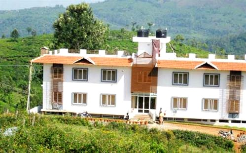 Comfortable homestay at Coonoor, Tamil Nadu - Honeymoon Suite stay - #ABP970