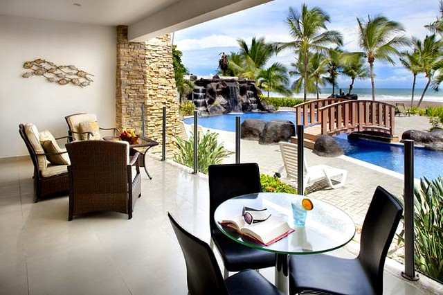 Ocean front 2 bedroom condo at Diamante del Sol
