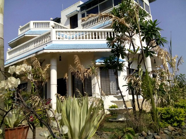 Luxurious Bungalow near Lonavala
