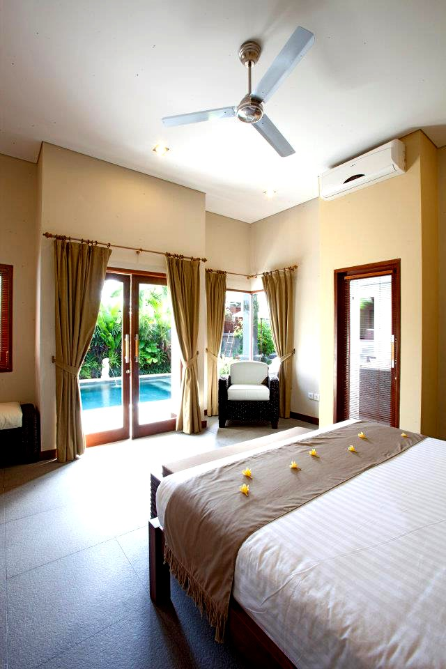 Stay at a  peaceful retreat villa amidst tranquil rice fields