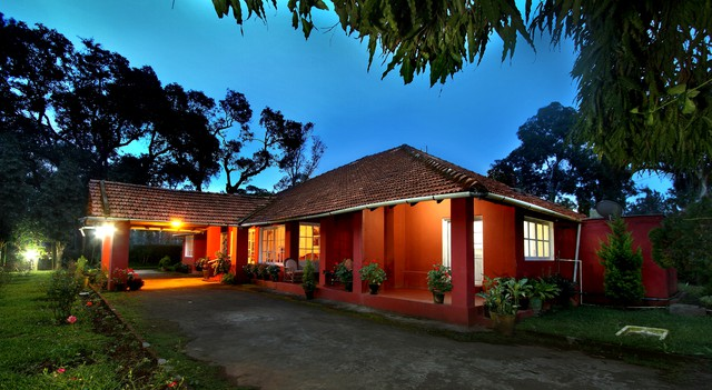 Room stay in a old colonial bungalow