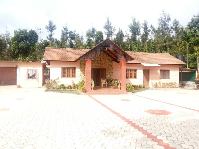 Room stay in a Homestay - A stay amidst nature