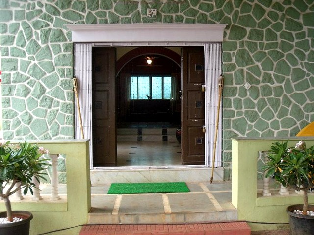 Beautiful Fully Furnished 3 BHK Heritage Villa on Rent in Lonavala!!