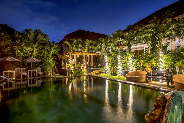 Charming Tropical Pool Villa * VILLA + OWNER.as.HOST, up 16 guests (ideal 10 adults, 6 children)