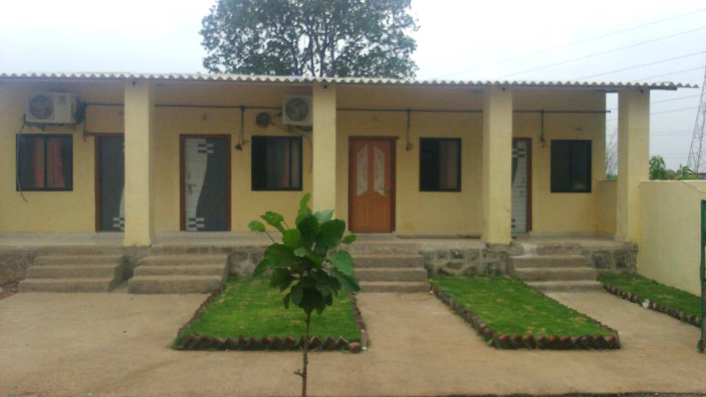 Farm house for rent located at titwala thane - Titwala farmhouse with swimming pool ...