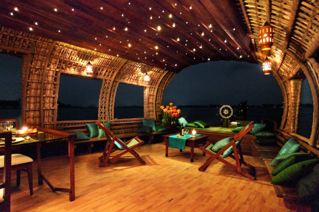One bedroom a c luxury houseboat alleppey kerala for 01 bedroom ac deluxe houseboat